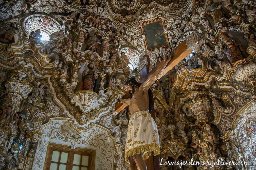 Camarín de la ermita del cristo de llano en Baños de la Encina - Los viajes de Margalliver